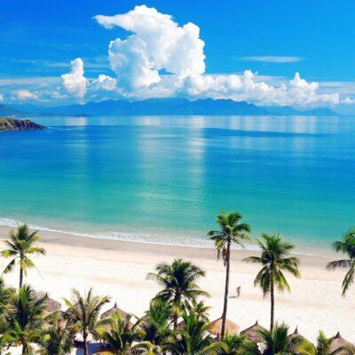 Beach and blue sea wallpaper