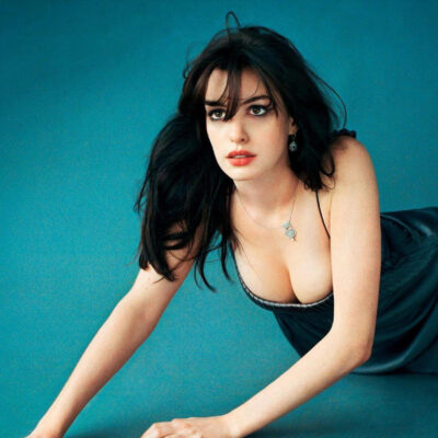 Actress Anne Hathaway HD Wallpapers